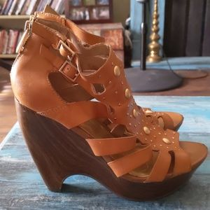 Jessica Simpson strappy leather heels gold studs
